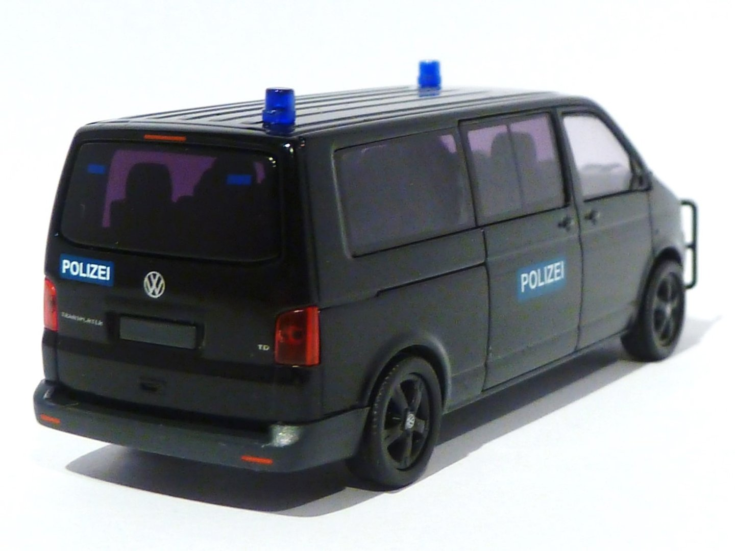 vw t5 bus mit rammschutz polizei spezialeinsatzkommando. Black Bedroom Furniture Sets. Home Design Ideas