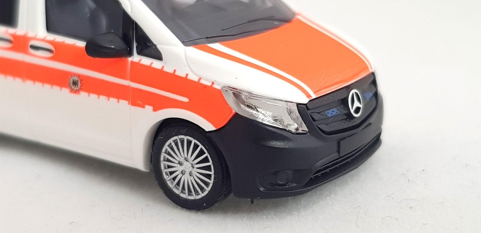 Busch Mercedes Vito Bundespolizei Notarzt Sanitätsdienst BPOL 124-1:87